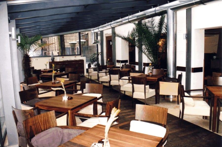 cafe-mengin-erlangen-schlossgarten-mengin-de-platz