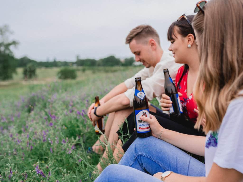 exerzierplatz-kitzmann-bier-trinken