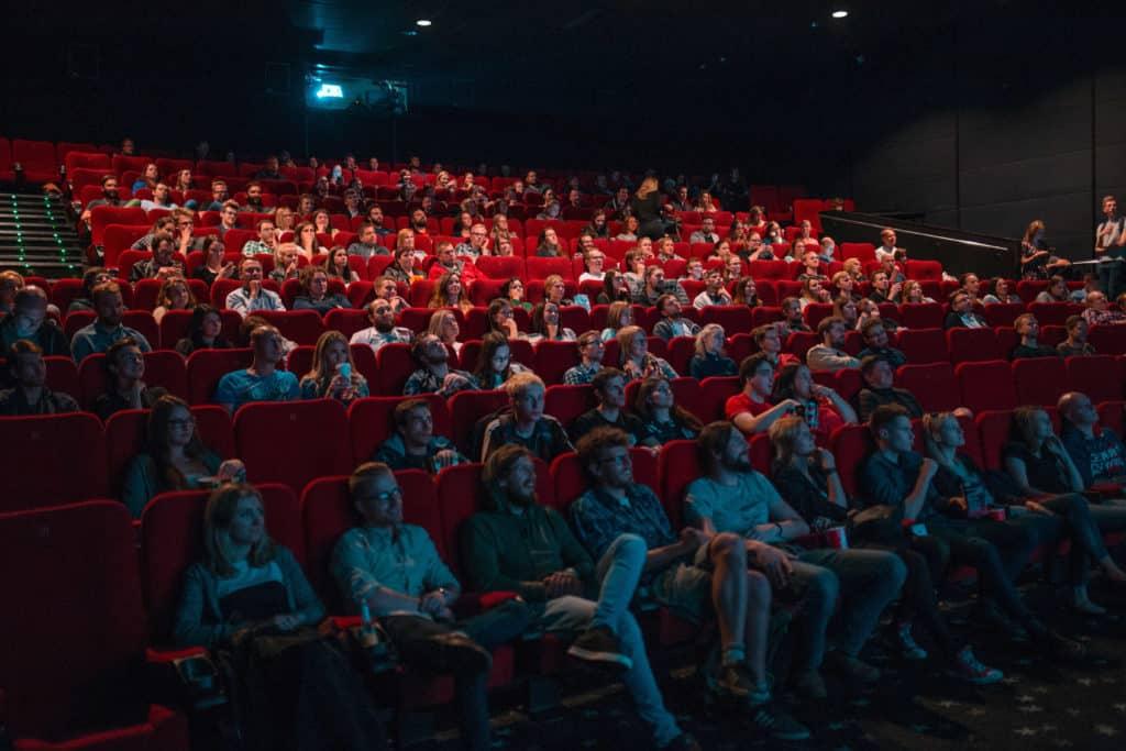 kino-film-schauen-stock-unsplash