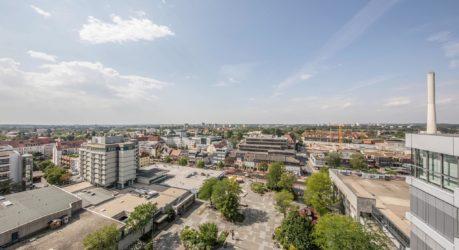 Aussicht vom Rathaus in Erlangen auf die Stadt.