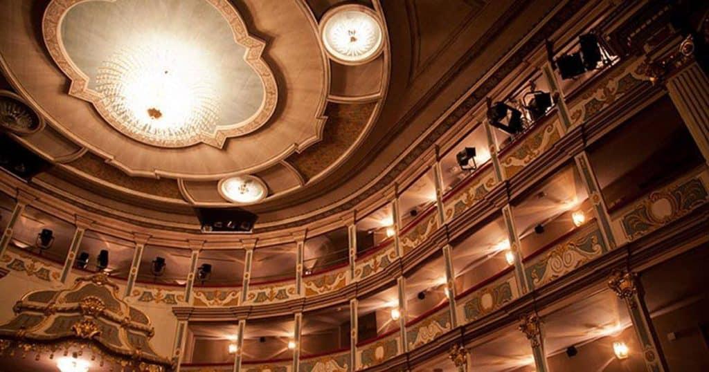theaterfuehrung-erlangen
