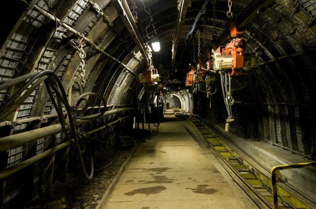 mine-462318_1920