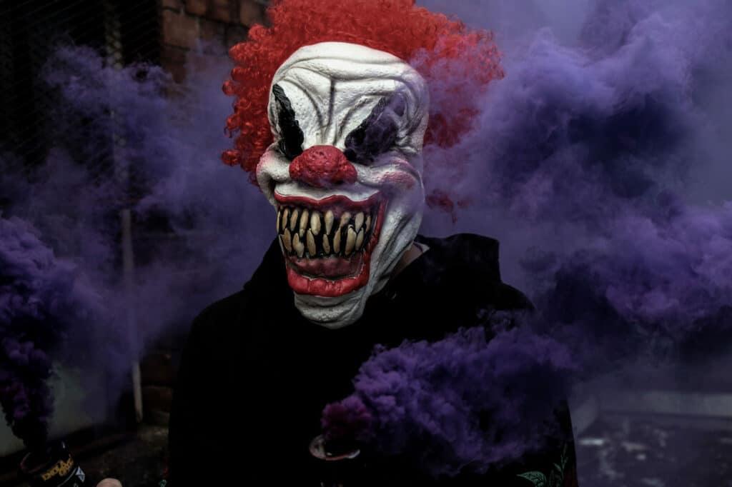 pranks-hallowen-horror-clown