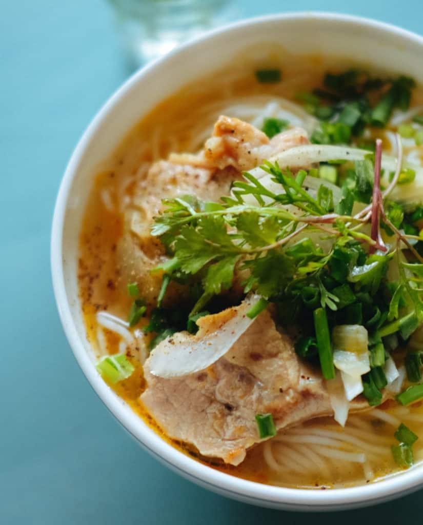 Vietnamesische-Suppe